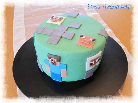 Silvia's Tortenträume: Minecraft Fondant Motivtorte Creeper Steve Kindertorte Schokokuchen lecker  Smartie Füllung Kuchen Torte Cake  Rezept & Infos zum Beitrag findet ihr hier: https://www.facebook.com/SilviasTortentraeume/posts/660014757432849