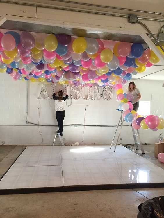 How to make a ballon ceiling that will cover your entire for Balloon decoration for ceiling