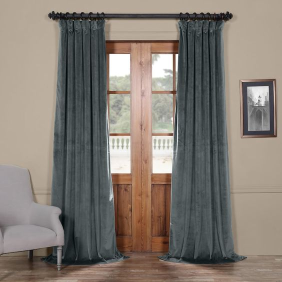 EFF 1-Panel Heritage Plush Velvet Curtain, Blue