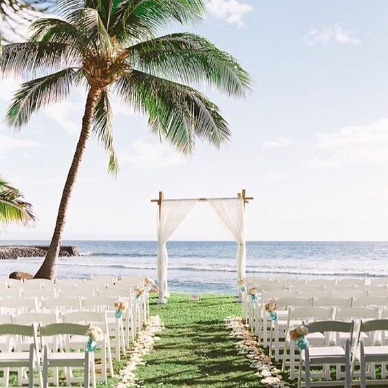 Yay! So excited to see one of our sweet weddings published on @stylemepretty today!  #lifeisgood #mauiwedding #olowaluplantationhouse