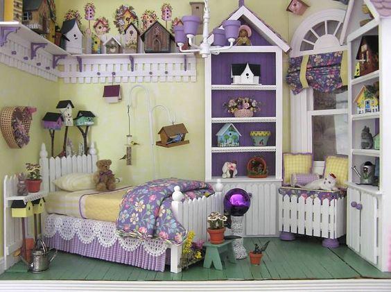 Susan's Miniatures. Tweet Dreams. Lots of little bird houses.  Dollhouse girl's room. Gorgeous!