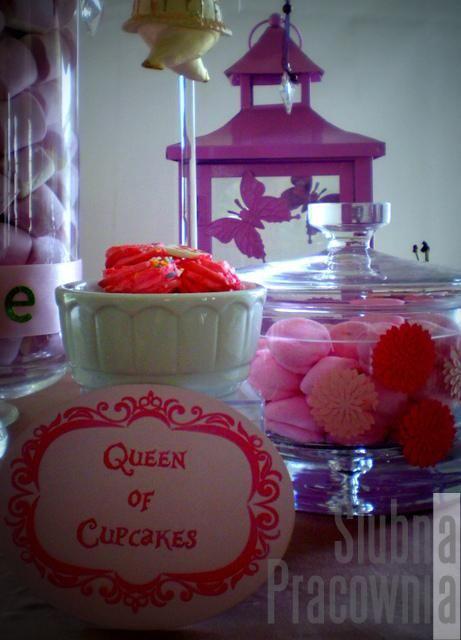 bajkowy bufet ze słodyczami