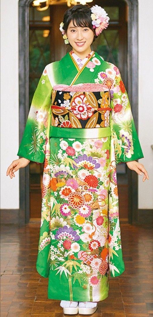緑着物の土屋太鳳