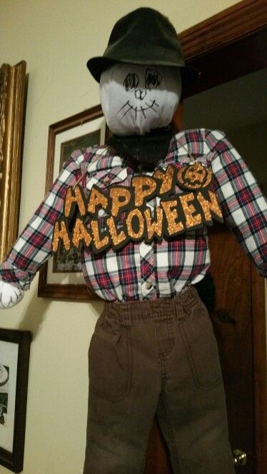 Meet jack the scarecrow old kid clothes and plastic shopping bagsade him...no straw