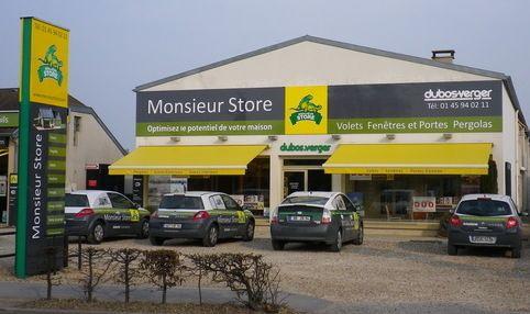 Photo Du Monsieur Store Stores Dubos Verger Chennevieres Sur Marne Volet Fenetre Pergola Stores