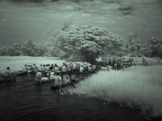 Caraparú, da Série Nightvisions , 2010  Pigmento sobre papel fotográfico de algodão  75 x 100 cm  Ed: 5 + 2 P.A.