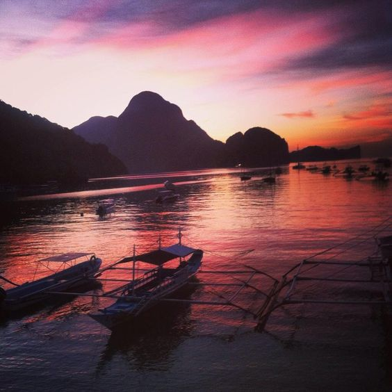 Breathtaking sunset in El Nido, Palawan. Philippines is a heaven on Earth and El Nido is just amazing!