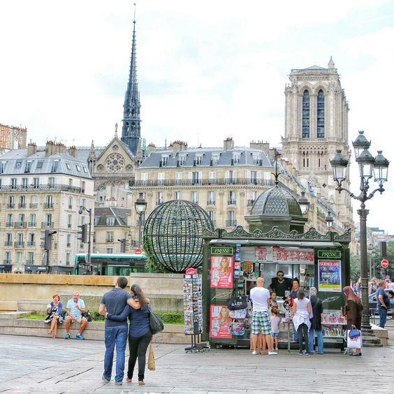 Place de l' Hôtel de Ville