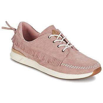 Questa scarpa da ginnastica bassa immaginata dalla marca Reef è un modello di…