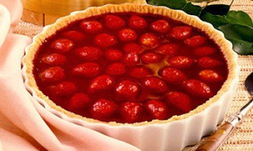 Que tal uma Torta de Morango Gelada? Confira a receita! Veja ⬇⬇⬇ http://goo.gl/Be001L