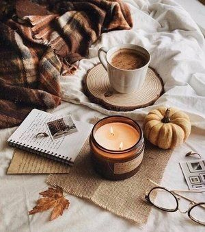 The perfect way to spend a Sunday afternoon: seasonal candle burning and a warm drink, we can't believe it is bonfire night tomorrow, comment 🎆 if you love fireworks displays! Image found on Pinterest * * * #ukinteriors #interiordesignblog #interiordesignblogger #interiorsblog #interiorsblogger #ukbloggers #interiorsblogger #designbloggers #designblogger #designtrends #interiordesignidea #interiordesigninspo #mycuratedaesthetic #interiordesigning #interiordesigncommunity #interior
