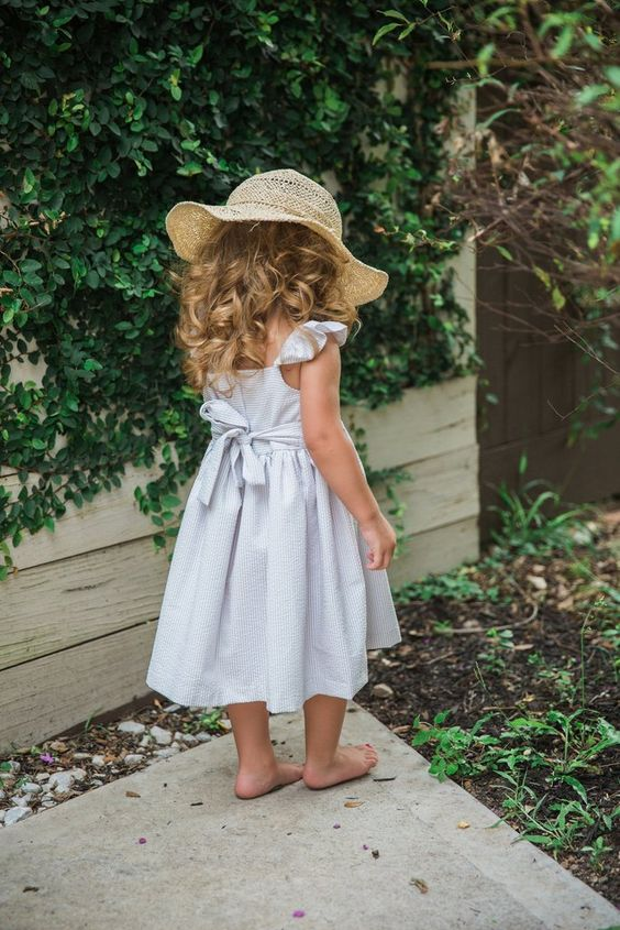 cuteheads 'Hydrangea' Linen and White Seersucker Dress - 100% cotton - 3-button closure down the back and bow that ties, making size adjustable - Skirt is fully lined. - Machine wash with like colors,                                                                                                                                                                                 More: