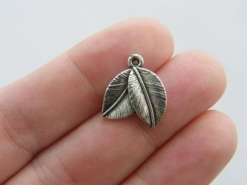 10 Leaves charms antique silver tone L30