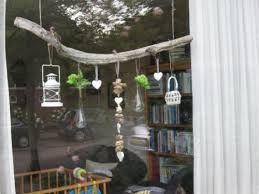 Takken decoratie voor het raam google search ideetjes for Hangdecoratie raam
