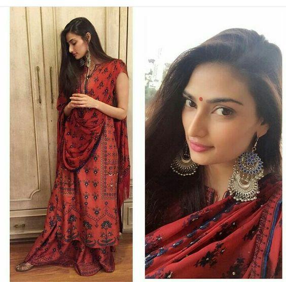 Athiya Shetty wearing Anita Dongre