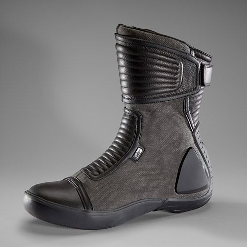 Sci Fi Boots for Genesis 3 Female(s)   3D Models and 3D Software ...