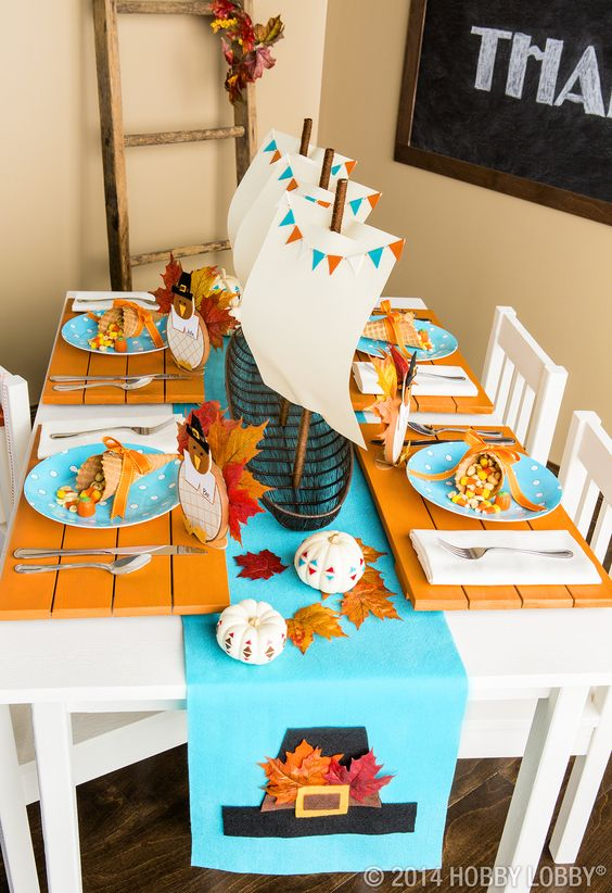 Thanksgiving kid's table decor.: