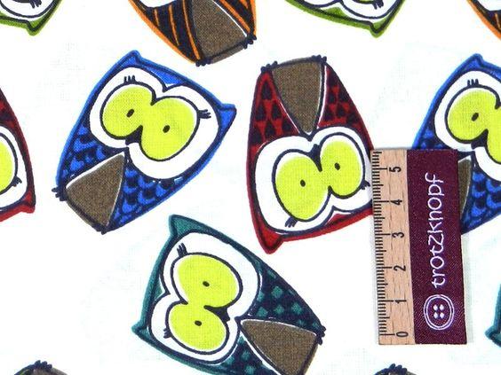 0,5 m Baumwoll-Druck bunte Eulen auf beige von trotzknopf auf DaWanda.com