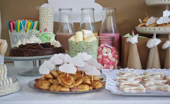 Pigs & Roses. Cumple-Aviones. Birthday. Cumpleaños. Party. Fiesta. Planes. Aviones. Mesa dulce. Buffet. Kids. Niños. Handmde. Play. Juegos.