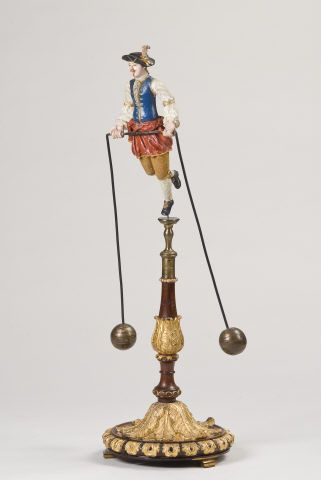 A Physics teaching instrument built to study the effects of shifting one's center of gravity. Made by Joaquim José dos Reis in 1788.: