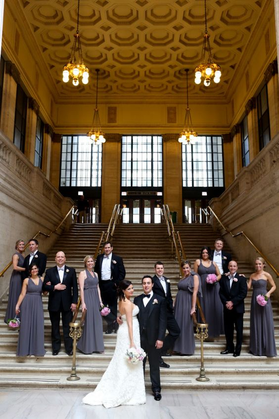 Union Station #Chicago Bridal Party Pics #chicago #wedding Planning: So Dressed Up Photography: Robyn Rachel Photography