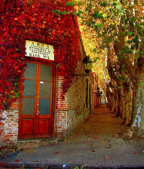 Colonia del Sacramento, Uruguay... Así te quiero... dejando huellas por el mundo entero!