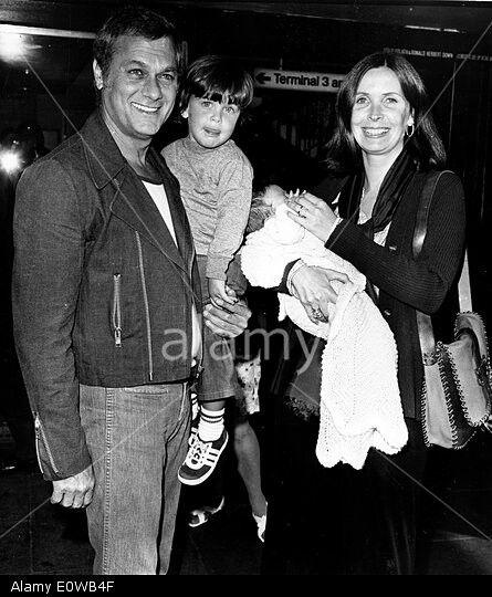 Tony Curtis, Leslie Allen and children 1975