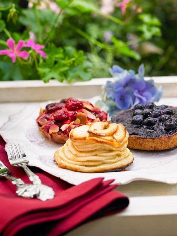 Deliziöses aus der Patisserie belohnt uns – denn frische Luft weckt den Appetit!