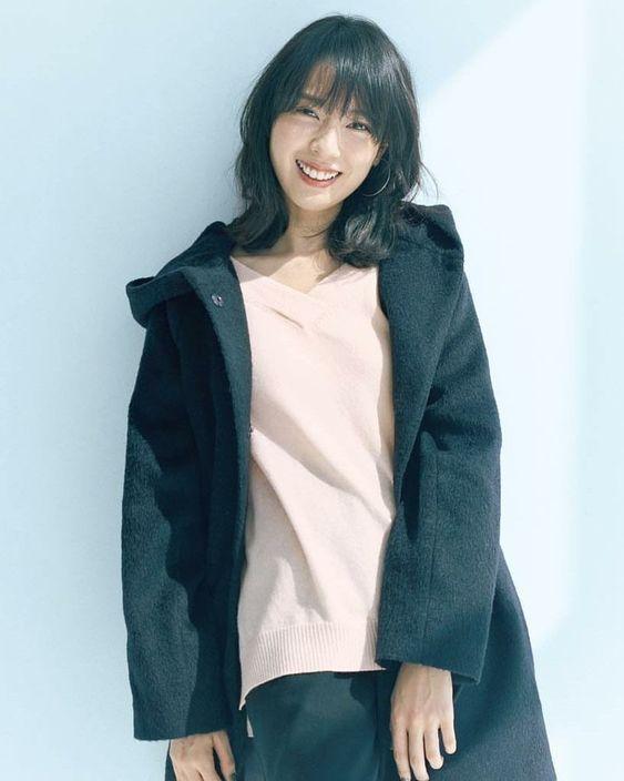 ウールのコートがオシャレな戸田恵梨香
