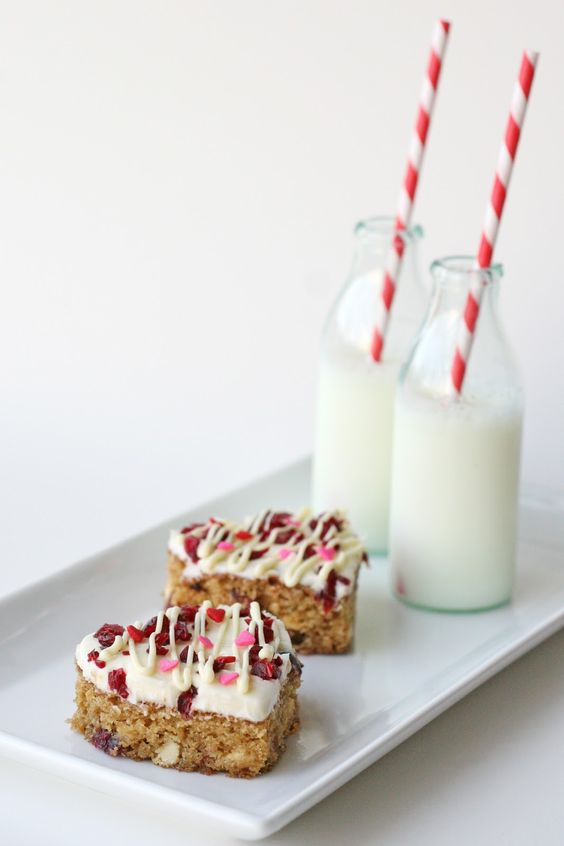Cranberry White Chocolate Bars.  Modified Cranberry Bliss Bars.  So cute!