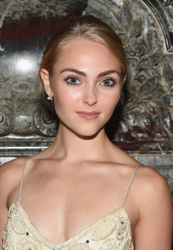 AnnaSophia Robb Marchesa show at Spring 2016 NY Fashion ...