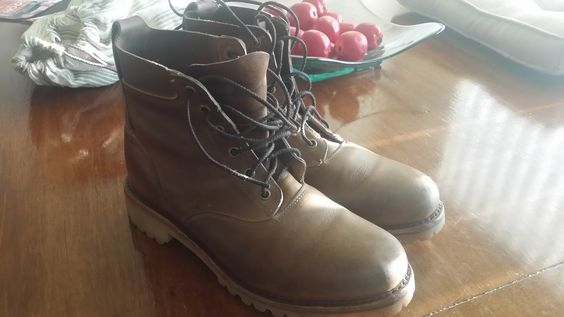 $64 A pair of 8D Chippewa boots made for Levis. They do not have the Chippewa logo anywhere but they do have the bat symbol of levis. These are Goodyear welted with a Vibram sole and a leather pull tab. Worn 4 times. Condition and well cared in shoe trees. These are not TTS. Buy them if you are a between 9 and 8.5 D TTS.