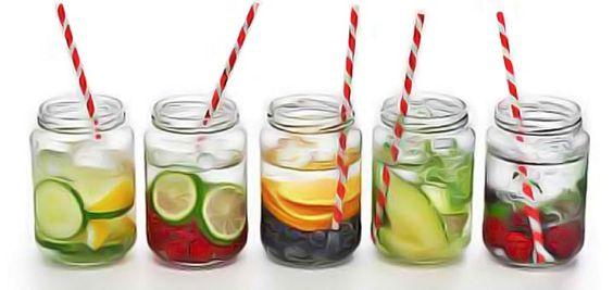 10 recettes d'eaux détoxiquantes et amincissantes: