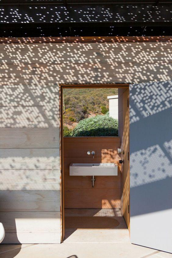 modernes Badezimmer Ideen Gestaltung draußen offen bequem