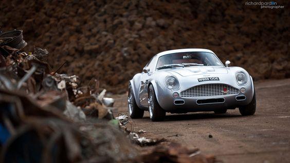 !!!! A Carbon Aston Martin DB4 Zagato!!!