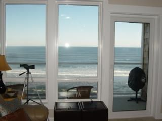 Rent this 2 Bedroom Apartment in Lincoln City for $185/night. Has Central Heating and Waterfront. Read reviews and view 13 photos from TripAdvisor