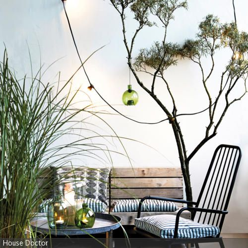 Natürlich einrichten bedeutet, gedeckte Farben in Naturtönen mit schlichten Möbeln zu kombinieren.  - mehr auf roomido.com