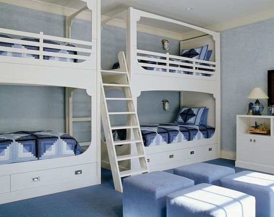 Quogue beach house bunk beds - Sherrill Canet Interiors