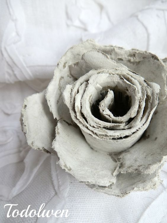 Diy tutorial how to make roses out of cardboard egg for How to make paper egg trays
