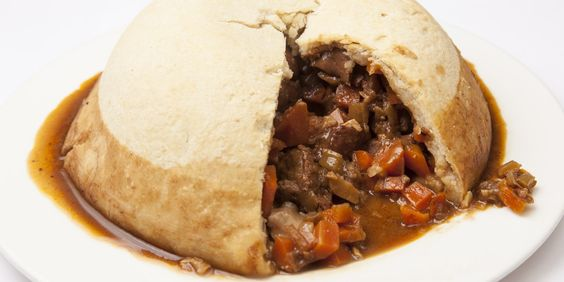 Steak, kidney and oyster pudding  Andrew MacKenzie adds freshly shucked oysters to a hearty steak and kidney pudding in this classic steamed pudding recipe