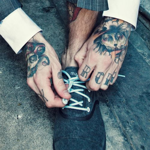 YESSSSSSS. The tats and those shoes!!