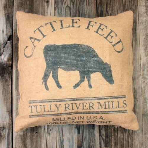 farmyard_Darlings_pillow_a_shop.jpg