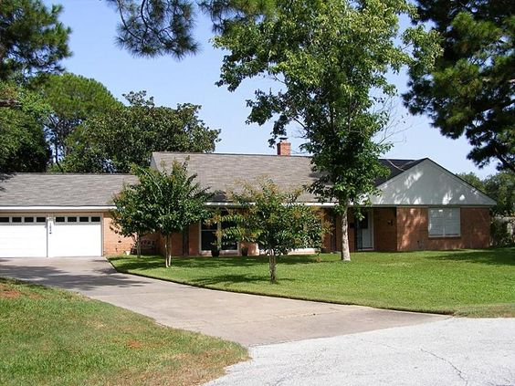 Updated and spacious #home in La Marque, #Texas