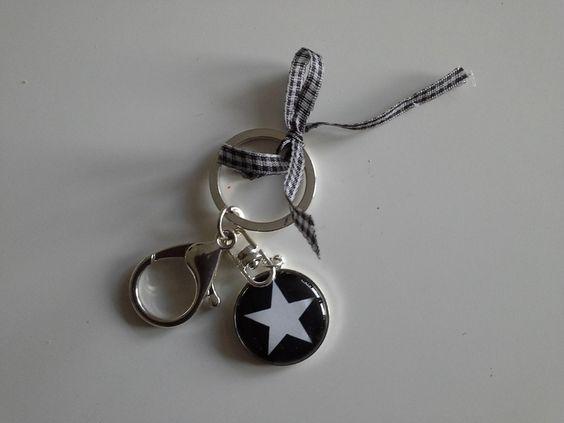 Schlüsselanhänger mit Stern von rosa rot auf DaWanda.com