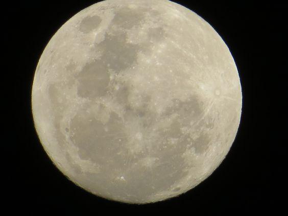 Luna Llena Muy Bella
