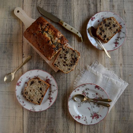 BANANA BREAD WITH CHOCOLATE CON CHOCOLATE: