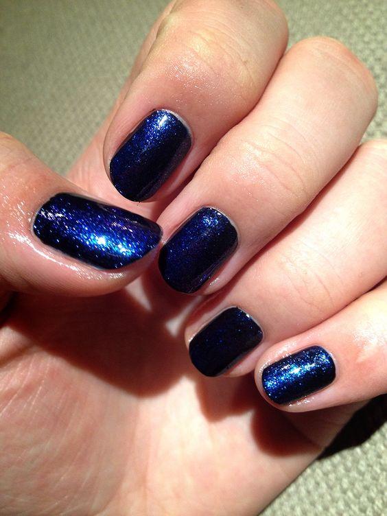 Dark glitter nails