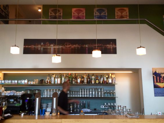Das Mangold-Restaurant im Hamburger Karoviertel. Innen hübsch und Außen eine tolle Terrasse