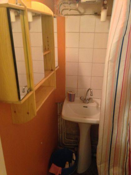 Avant travaux, la salle de bains était à la limite de l'insalubrité