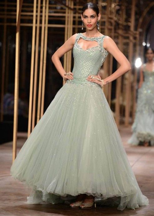 Models showcasing the exquisite collection of Tarun Tahiliani at Indian Bridal Week NOV 2013 at Mumbai 19